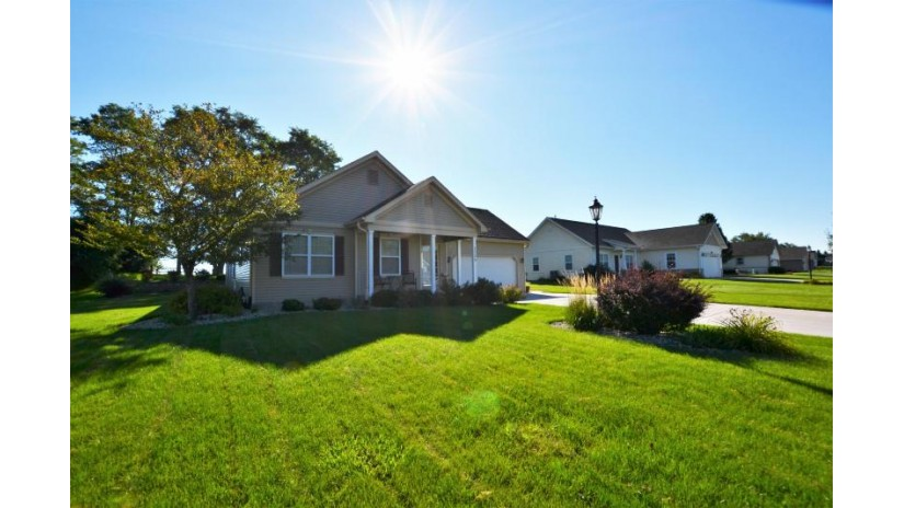 1739 Shumann Dr Union Grove, WI 53182-1787 by Re/Max Newport Elite $294,900