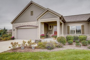 N115W17886 Sawgrass Ct, Germantown, WI 53022-6311