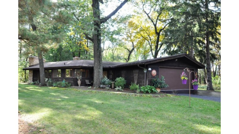 W360S2881 Highway 67 Ottawa, WI 53118-9633 by Re/Max Realty Center $309,900