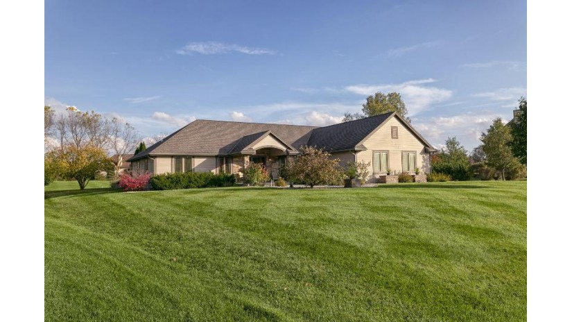 W227S7780 Terrace Dr Vernon, WI 53103 by Realty Executives - Integrity $469,900