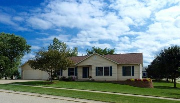 339 Stohr Ave, Twin Lakes, WI 53181-9259