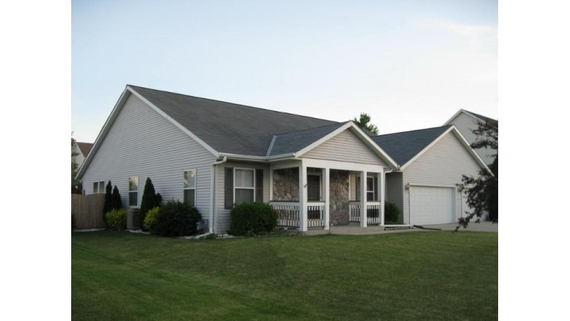3925 W Lakeview Dr Franklin, WI 53132-8493 by Homeowners Concept Save More R $364,900