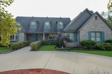 S69W12949 Woods Rd, Muskego, WI 53150-3442