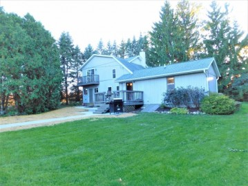 590 Decorah Rd, Trenton, WI 53095-8100
