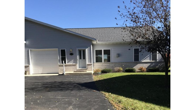 1019 Edgewater Rd Fort Atkinson, WI 53538 by Mike Foerster Real Estate Group, Llc $179,900