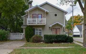 222 Madison St, Lake Geneva, WI 53147-1706