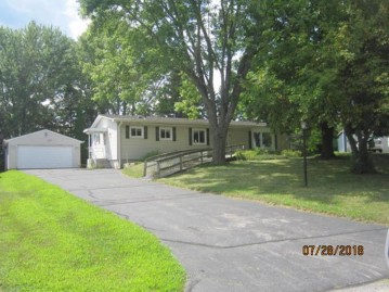 7033 Clover Ct, Lyons, WI 53105-9079