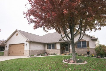 606 Mohr Cir, Waterford, WI 53185-4274