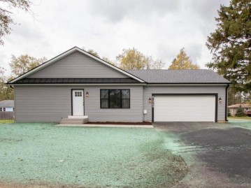 N1389 Moss Dr, Bloomfield, WI 53128