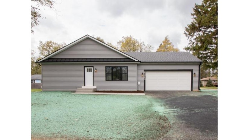 N1389 Moss Dr Bloomfield, WI 53128 by Mtm Realty, Inc. $234,900