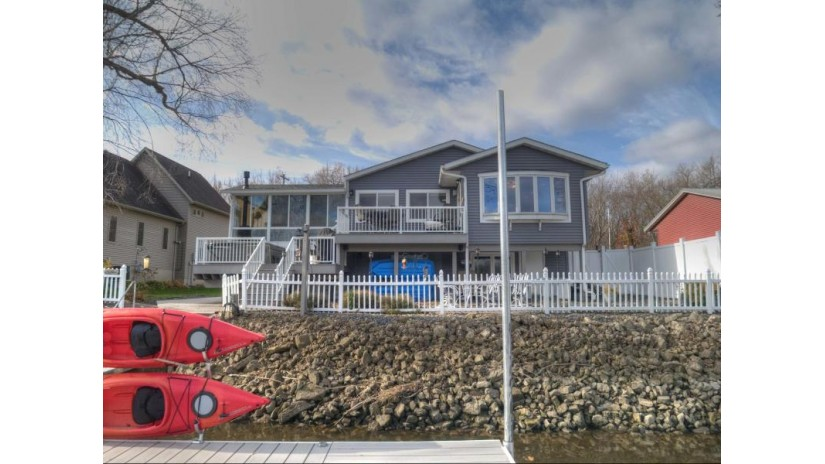 734 Shore Acres RD La Crescent, MN 55947-9633 by Re/Max First Choice $399,900