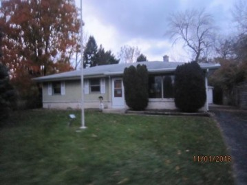 2620 Indian Trl, Caledonia, WI 53402-1234