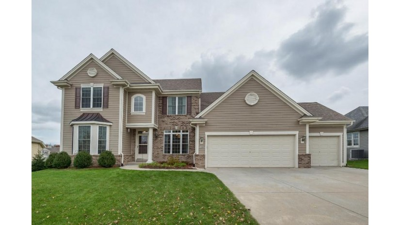 3409 Fiddlers Creek Dr Waukesha, WI 53188-2699 by Re/Max Realty Center $439,900