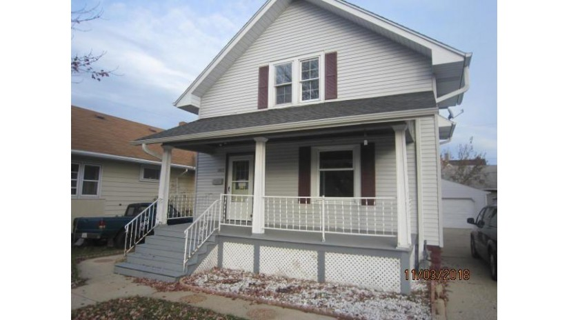 6923 16th Ave Kenosha, WI 53143-5327 by Keefe Real Estate, Inc. $79,900