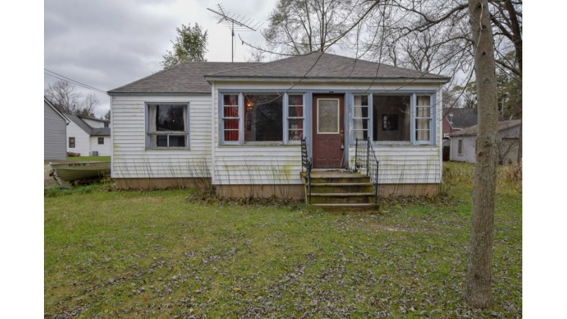 W1023 Eau Claire Rd Bloomfield, WI 53128-1451 by Shorewest Realtors $75,000