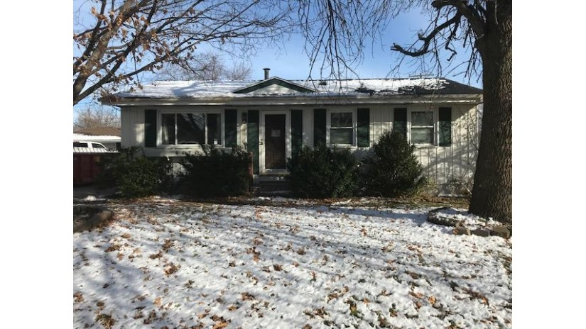 6421 59th Ave Kenosha, WI 53142-1234 by Welcome Home Real Estate Group, Llc $90,000