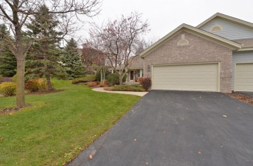 18600 Stonehedge Dr A, Brookfield, WI 53045-0625
