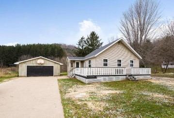 131 N Ridge RD, Coon Valley, WI 54623-8008