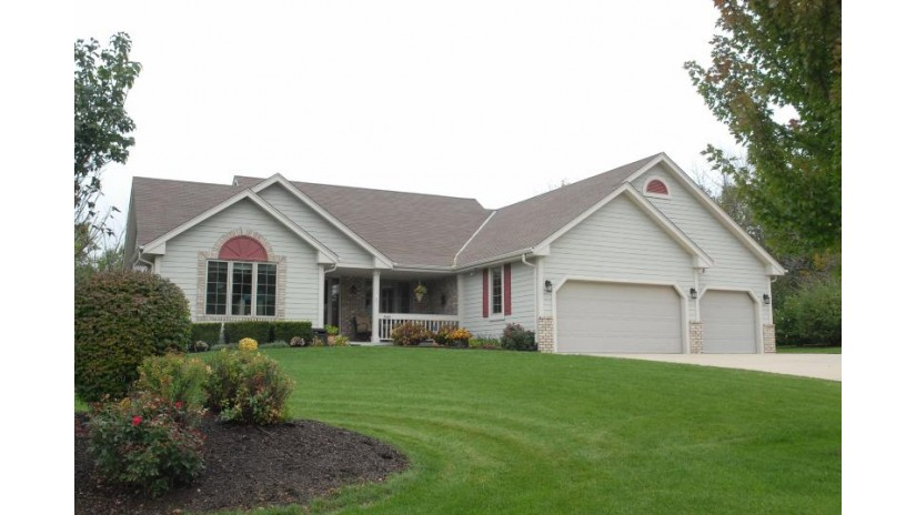 4540 W Melissa Ct Franklin, WI 53132-8699 by Homestead Realty, Inc~milw $374,900