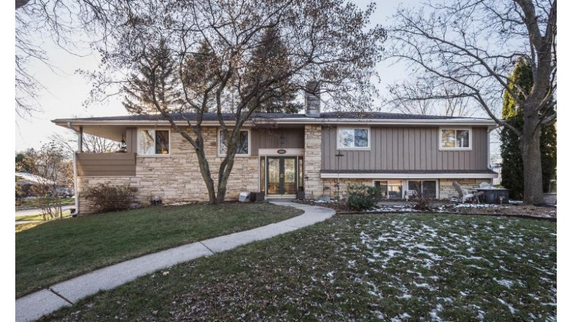 3331 S 121st St West Allis, WI 53227 by Keller Williams Realty-Milwaukee North Shore $287,900
