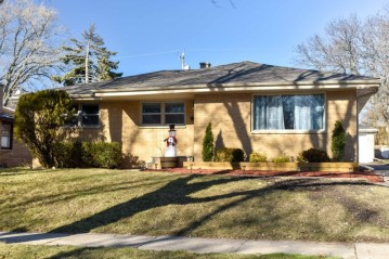 9642 W Arthur Ave, West Allis, WI 53227-2210