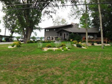 W325N6824 North Lake Dr, Merton, WI 53029-8510