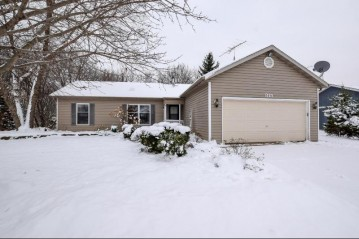 815 Ridge Cir, Twin Lakes, WI 53181-9346