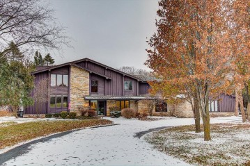 W309N6698 Caddy Ct, Merton, WI 53029