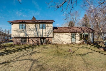 2178 Wallace Lake Rd, Trenton, WI 53090-1211