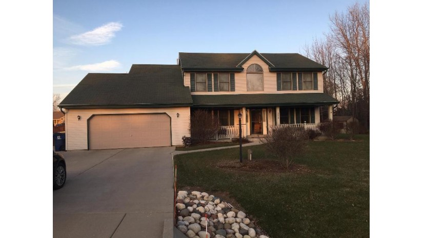 3520 E Northbrook Ct Oak Creek, WI 53154-4717 by Re/Max Lakeside-Capitol $299,900