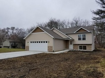 21210 117th St, Bristol, WI 53104-9681