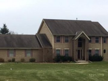 4732 Red Fox Ln, Jackson, WI 53095-7813