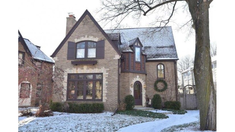 409 E Lexington Blvd Whitefish Bay, WI 53217-5170 by Keller Williams Realty-Milwaukee North Shore $515,000