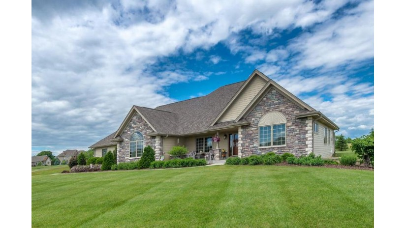 W337N8288 Prairie Hollow Dr Merton, WI 53066-9735 by Keller Williams Realty-Lake Country $529,000