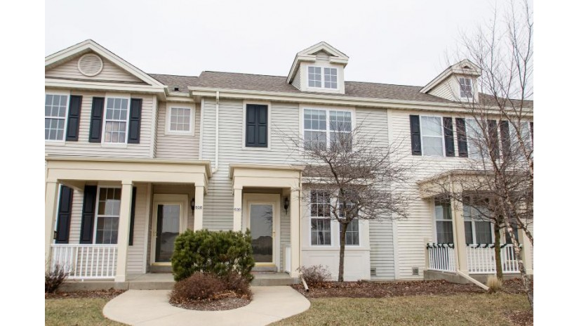 636 Hunter Oaks Blvd Watertown, WI 53094-7730 by Realty Executives Platinum $129,900