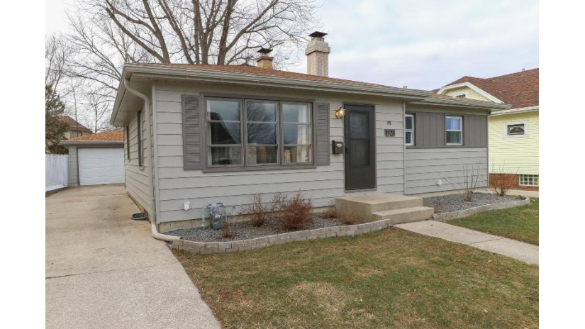 1928 Wustum Ave Racine, WI 53404-2261 by Berkshire Hathaway Homeservices Metro Realty-Racin $127,500