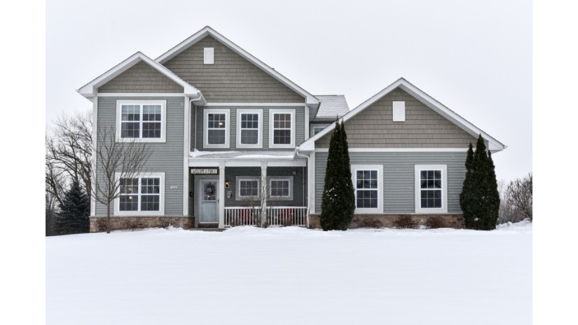 12293 W Shadwell Cir Franklin, WI 53132-2065 by Shorewest Realtors $372,500