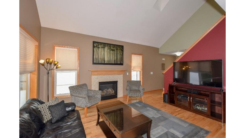 2337 S 95th St West Allis, WI 53227-2335 by RE/MAX Realty 100 $249,000