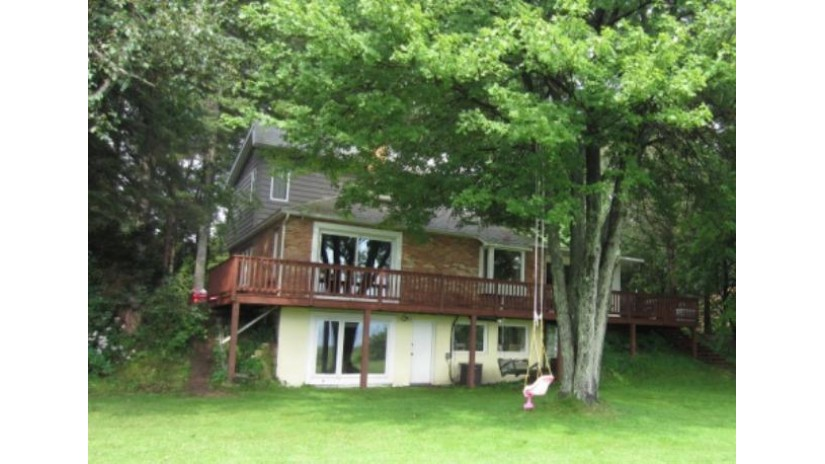 N2796 Shore Dr Peshtigo, WI 54143 by Broadway Real Estate $149,900