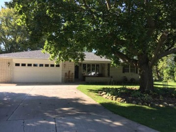 560 RIVER HEIGHTS Road, Shawano, WI 54166