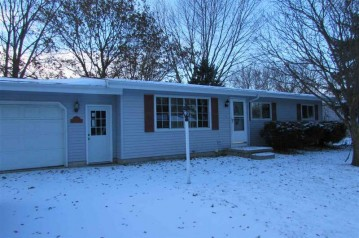 511 KENNEDY Avenue, Omro, WI 54963-1343