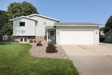 712 PARK Street, Wrightstown, WI 54180