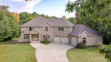 1642 ROCKWELL Court, Howard, WI 54313