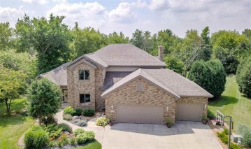 112 SHALIMAR Court, Combined Locks, WI 54113-1254