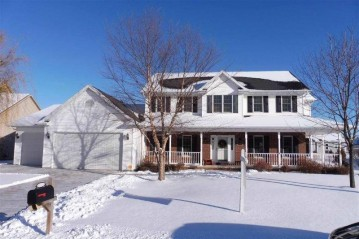 2434 MAPLE GROVE Drive, Neenah, WI 54956-4836