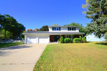 570 HARVEST Road, Green Bay, WI 54302-4825