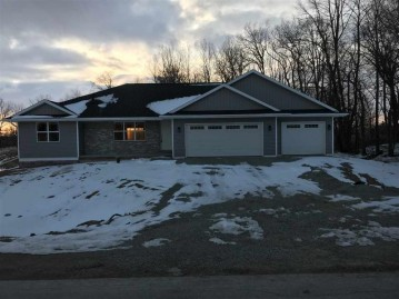 990 TANGLEWOOD Drive, Little Suamico, WI 54141-8883