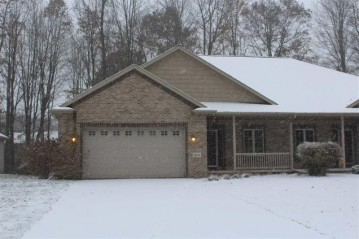 1455 SNOW SHOE Trail, Suamico, WI 54173-8272