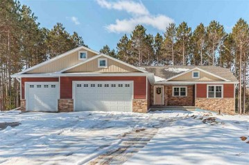 877 MAPLE LEAF Trail, Little Suamico, WI 54141