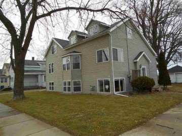 522 W 5TH Avenue, Oshkosh, WI 54902-0000